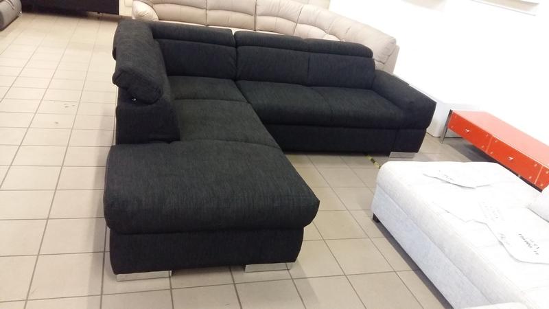 Rugós ülőfelületű, állítható fejtámlás bútor