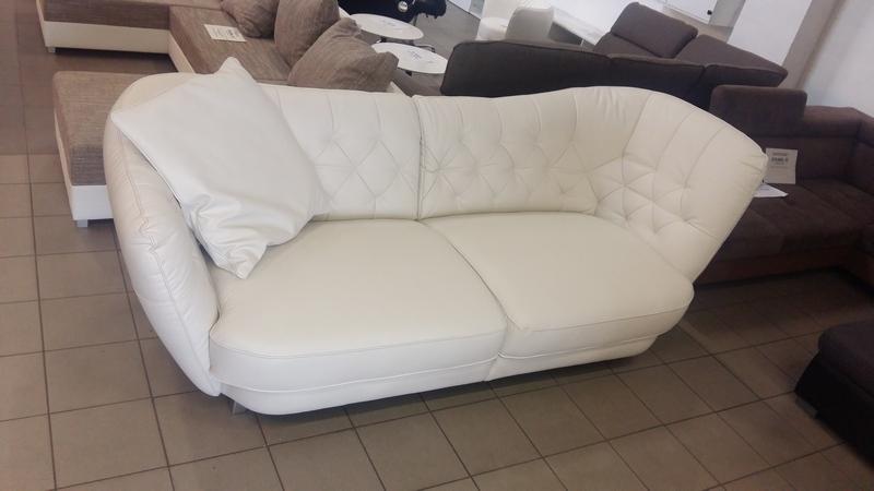 Csodálatos hófehér RETRO sofa