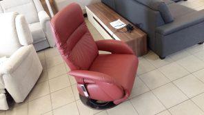 magas háttámlás valódi bőr fotel relax-funkcióval