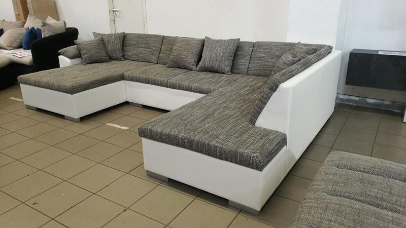 Modern vonalvezetésű, családi ülőgarnitúra, ennyi pénzért ajándék :)