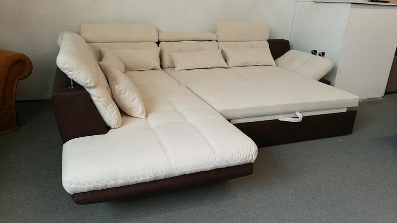 Franciaágynak nyitható modern kanapé
