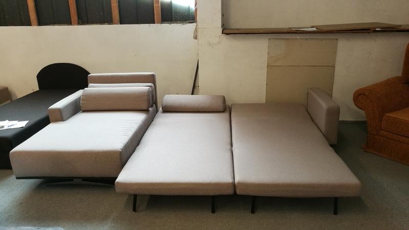 184 cm x 200 cm-es franciaágynak nyitható kanapé