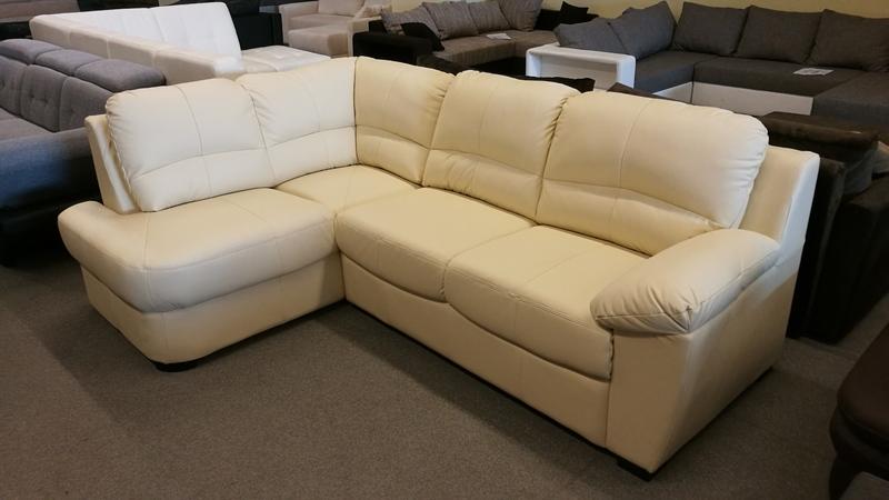 Hagyományos eleganciát képviselő kanapé