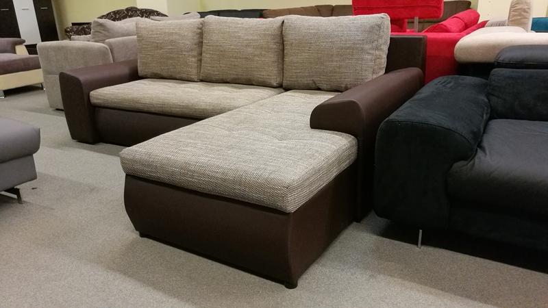 Jobbos – balos állásra szerelhető, többféle színben rendelhető kanapé
