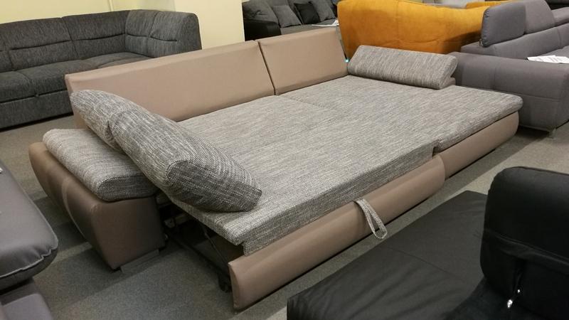 Franciaágynak nyitható kényelmes modern bútor.