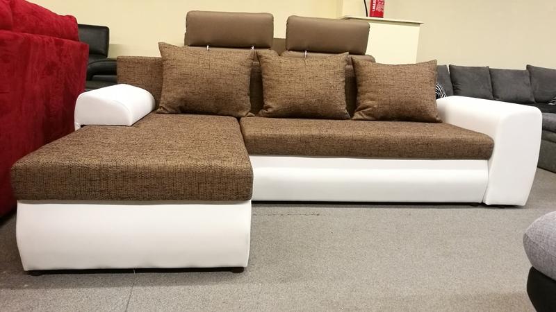 Jobbos – balos állásra szerelhető kanapé, hatalmas megoldása lehet kisebb nappaliknak.