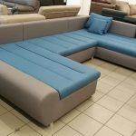 Bár a kanapé ágynak nem nyitható, de a széles ülőfelülete alkalmas akár állandó alvásra is