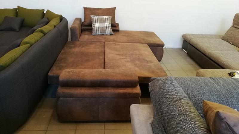 Billenő háttámlás, jobbos-balos állásra is szerelhető bútor, akár állandó alvásra is alkalmas