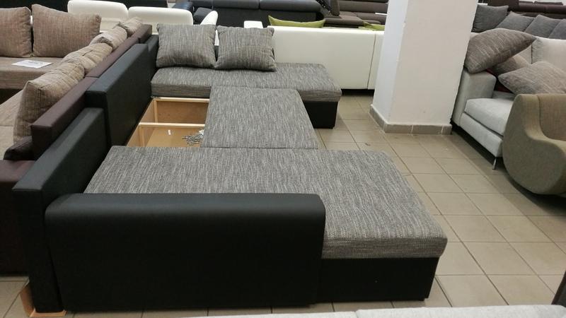 Az ülőfelület alatt található ágyneműtartóba kényelmesen tárolhatja az alváshoz szükséges párnákat, paplanokat