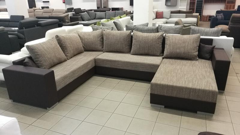 Letisztult vonalvezetésű, minimalista stílusban készült modern kanapé
