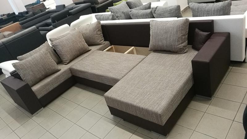 Az ülőfelület alatt található tárolóban, kényelmesen tárolhatja vendégei ágyneműjét