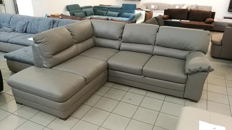 Az igényes kialakításának köszönhetően, akár térbe is állítható, csodaszép bútor