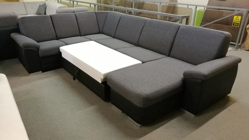 Ez a kanapé mindent tartalmaz amit egy kanapénak tartalmaznia kell! Könnyedén ágynak lehet nyitni!