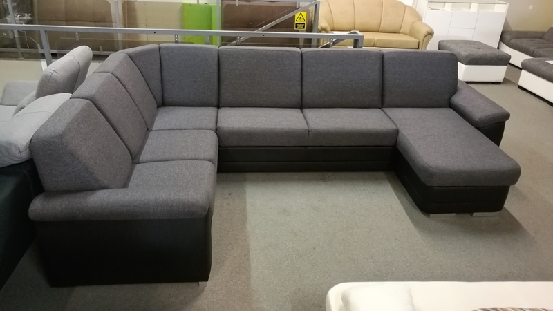 BRITANNY klasszikus eleganciát tükröző, rugós ülőfelületű kényelmes bútor
