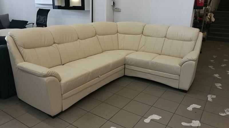 Extra tartós minőségi textilbőrrel készült, magas háttámlás BRUNO kanapé