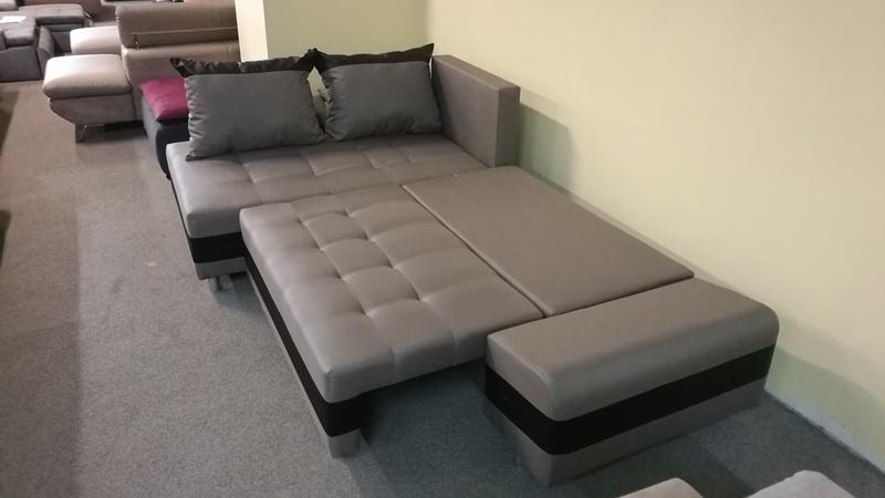 Amennyiben szükséges a PLUTO kanapét egyszerűen, 120 cm x 220 cm-es ágynak lehet nyitni