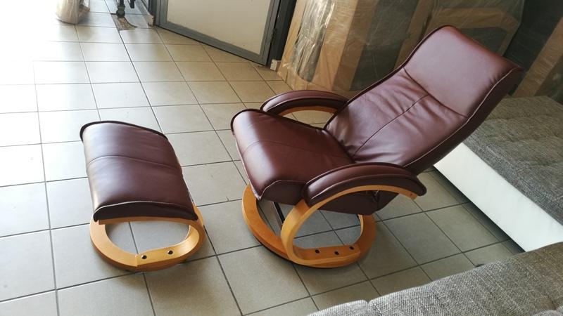 Többféle komfortfokozatra állítható, valódi bőrrel készült fotel