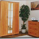 TINA gardrób, klasszikus keretléces kicsi de praktikus bútor