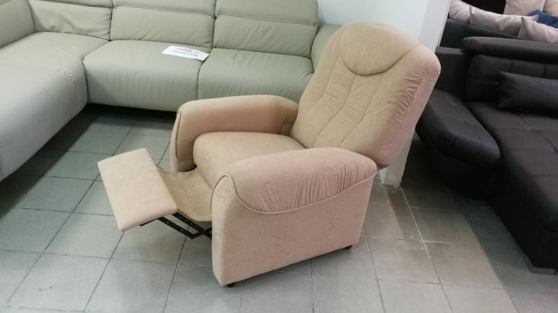 Többféle komfortfokozatra dönthető TV fotel