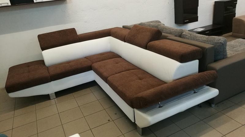 Többféle színben és állásban rendelhető exkluzív kanapé