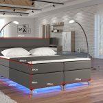 Többféle színben világító, modern magasított ágy