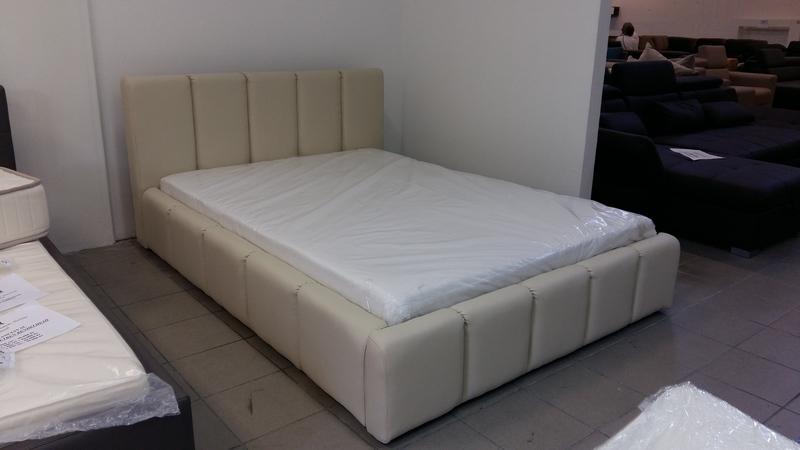 EDMOND a XXI. század legfelkapottabb kárpitozott ágya ÁGYNEMŰTARTÓVAL