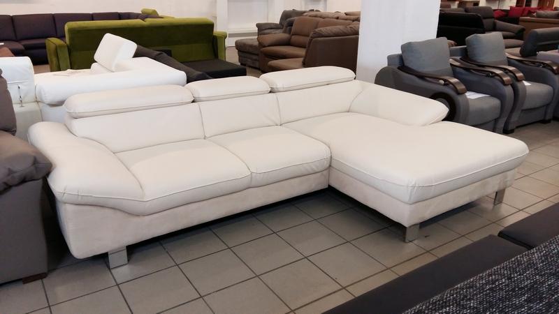 FAST sarokkanapé, rugós ülőfelületű elegáns bútor.