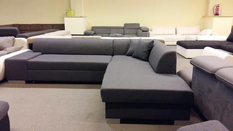 A minimalista eleganciát képviselő sarokkanapé remek ár- érték arány :)