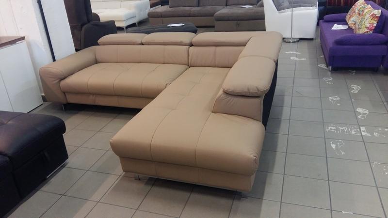 Modern, elegáns állítható fejtámlás bútor