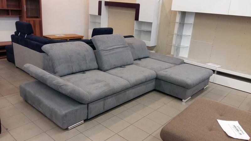 Állítható ülésmélységű, fej és kartámaszos modern kanapé