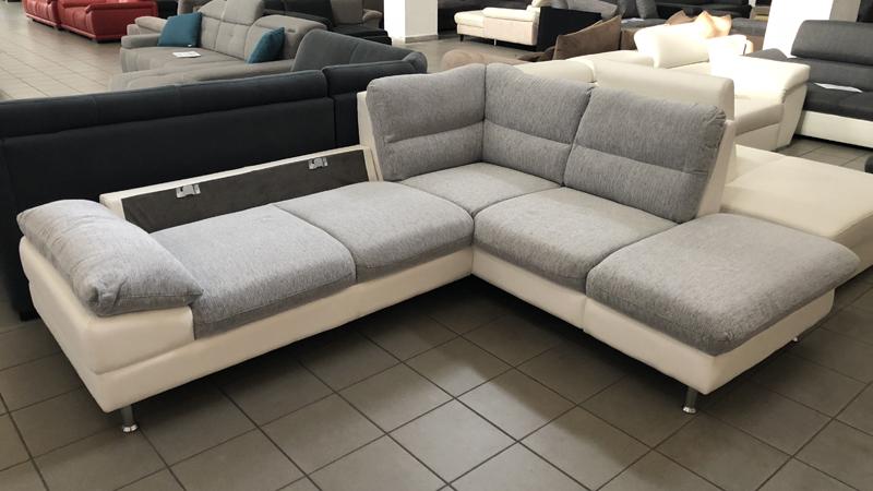 Az Elias kanapé könnyen heverővé alakítható a levehető háttámlákkal