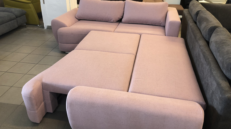 Benite franciaággyá nyitható egyedi kialakítású kanapé