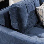 A Catanzaro sarokkanapé összes párnája levehető, így hatalmas ágynak nyitható